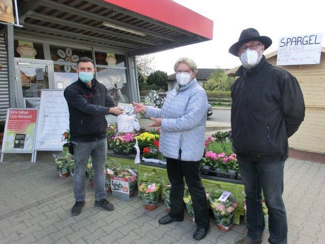 Erfolgreiche Spendenaktion bei REWE Bleckede